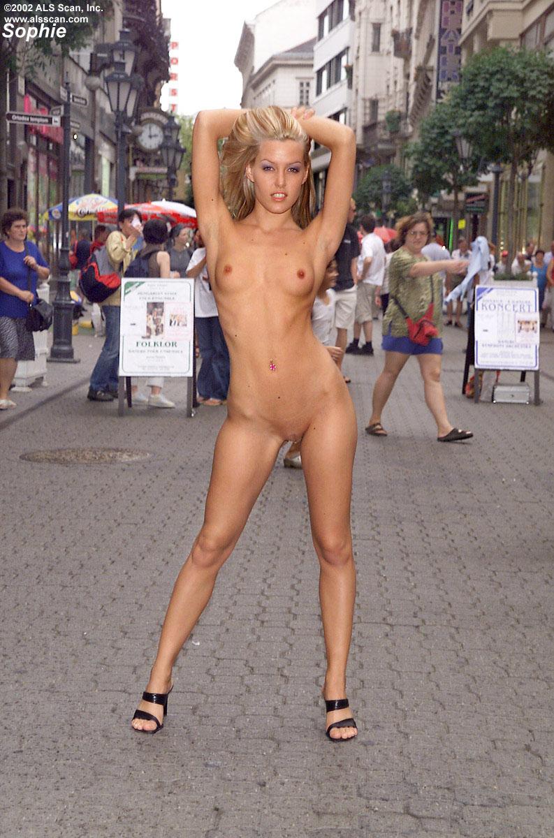 Секс разврат на улице 22 фотография