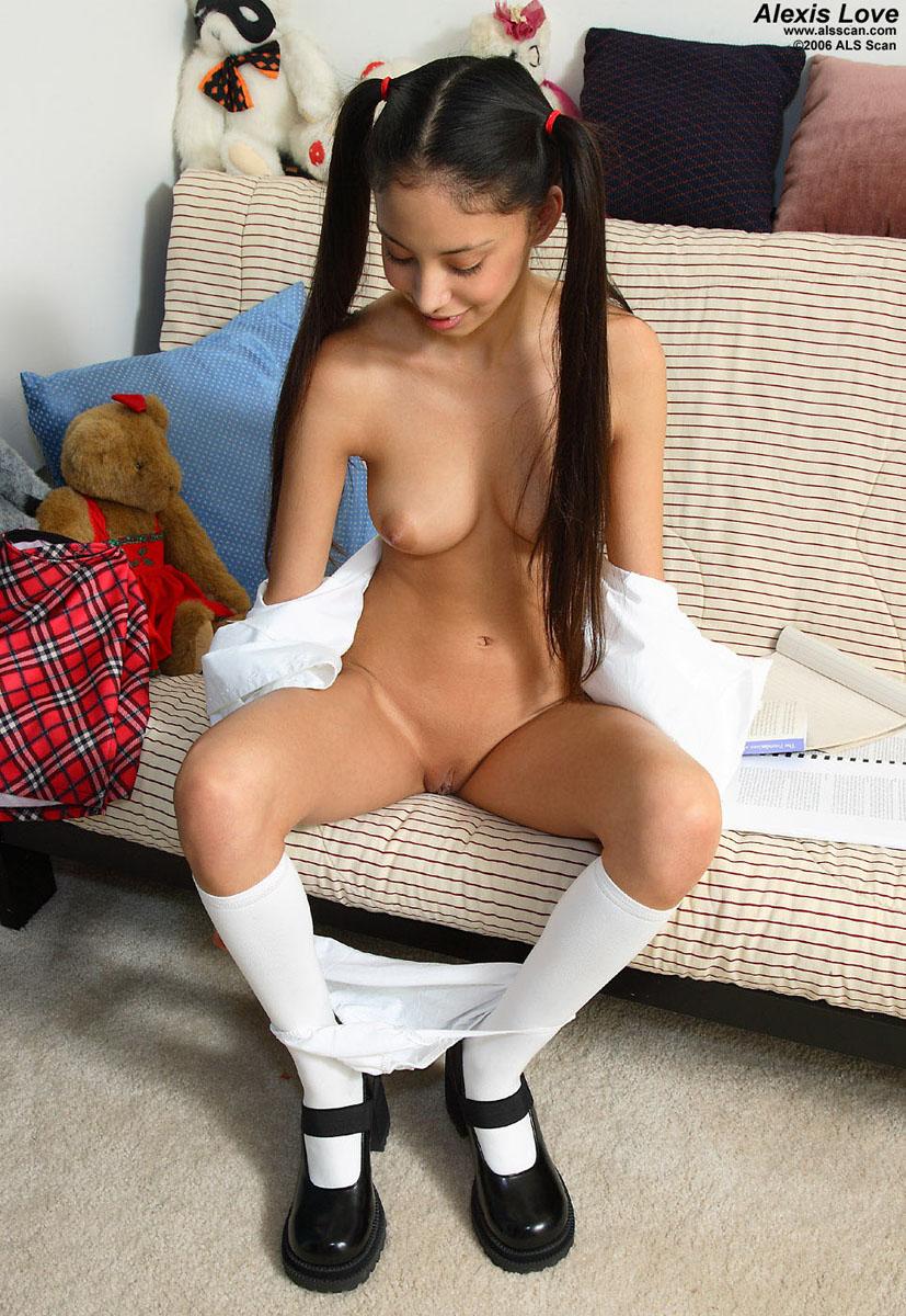 Aaliyah love masturbates with a vibrator 8